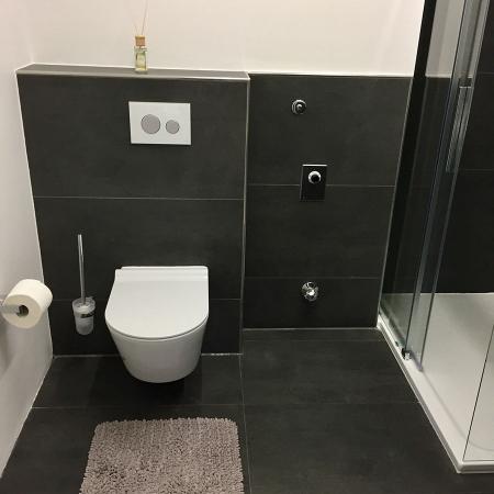 Dusch-Bad/ WC
